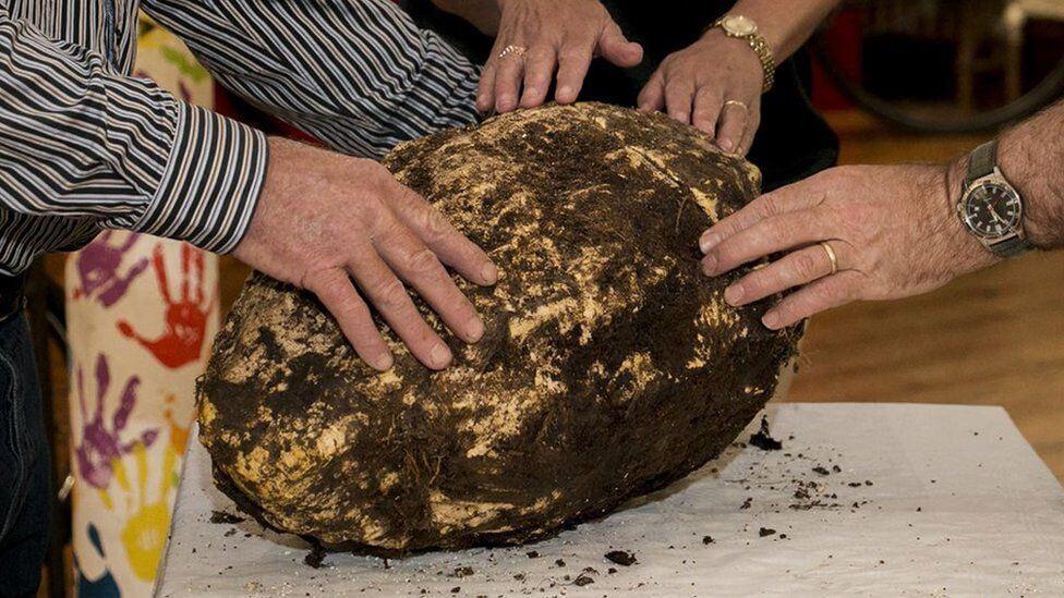 アイルランドの湿地で【2000年前のバター】が発見される