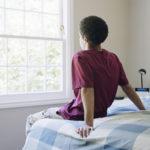 10代の少年がマチェーテで包茎手術を試みた後、病院に救急搬送