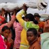 死んだらお別れなんて誰が決めたの?遺体と陽気にダンスするマダガスカルの祭【ファマディハナ】