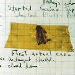 """プログラムの """"バグ""""の由来は、本物の虫だった!【グレース・ホッパーのバグ】スミソニアン博物館"""