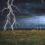 何のため?砂漠に整列する無数の避雷針【ライトニング・フィールド】アメリカ
